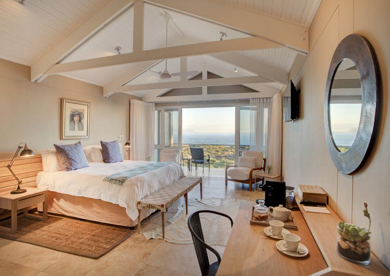 southafrica-romance-luxury-wine-whales-abalone-accom_760