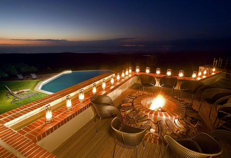 southafrica-whalecoast-honeymoon-grootbos-pool-night