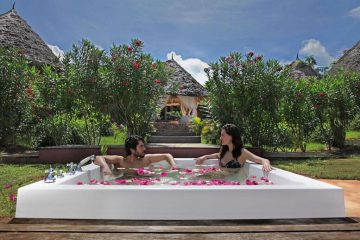 zanzibar-honeymoon-lux-gold-jacuzzi