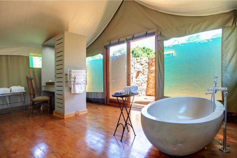 Deluxe Tented Suite Bathroom at Botlierskop