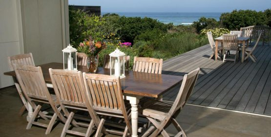 southafrica-hermanus-honeymoon-beach-bush-mosselb-deck